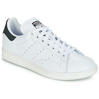 Παπούτσια Χαμηλά Sneakers adidas Originals STAN SMITH Άσπρο / Black