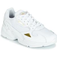 Παπούτσια Γυναίκα Χαμηλά Sneakers adidas Originals FALCON W Άσπρο / Χρυσο