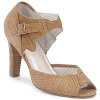 Παπούτσια Γυναίκα Σανδάλια / Πέδιλα Mosquitos CILLIAN Brown