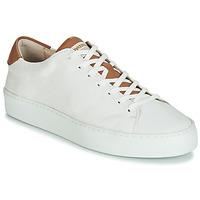 Παπούτσια Γυναίκα Χαμηλά Sneakers Pataugas KELLA Άσπρο / Cognac