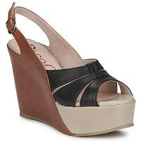 Παπούτσια Γυναίκα Σανδάλια / Πέδιλα Paco Gil RITMO SELV CAMEL / Black