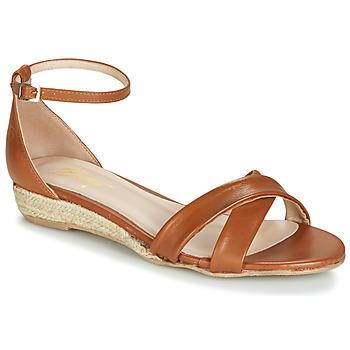 Παπούτσια Γυναίκα Σανδάλια / Πέδιλα Betty London JIKOTIVE Camel