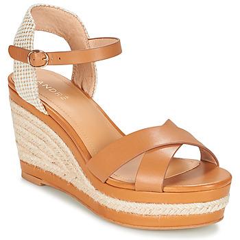 Παπούτσια Γυναίκα Σανδάλια / Πέδιλα André SAND Camel