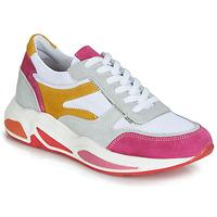 Παπούτσια Γυναίκα Χαμηλά Sneakers André ROLLO Άσπρο / Ροζ