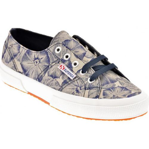 Παπούτσια Γυναίκα Χαμηλά Sneakers Superga  Μπλέ
