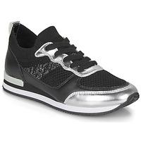 Παπούτσια Γυναίκα Χαμηλά Sneakers André BETTIE Black / Silver