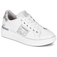 Παπούτσια Γυναίκα Χαμηλά Sneakers Mustang 1351304-121 Άσπρο / Argenté