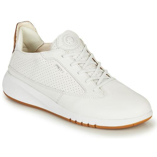 Παπούτσια Γυναίκα Χαμηλά Sneakers Geox D AERANTIS Άσπρο