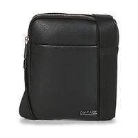 Τσάντες Άνδρας Pouch / Clutch Calvin Klein Jeans CK BOMBE' FLAT CROSSOVER Black