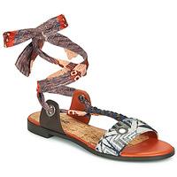 Παπούτσια Γυναίκα Σανδάλια / Πέδιλα Desigual JUNGLE AFRICA Marine / Άσπρο