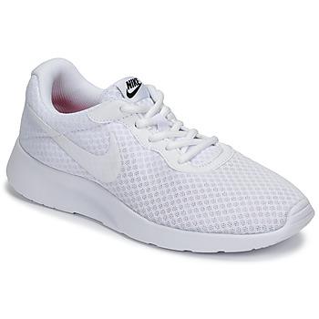 Παπούτσια Γυναίκα Χαμηλά Sneakers Nike TANJUN Άσπρο