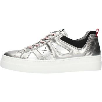 Παπούτσια Γυναίκα Χαμηλά Sneakers NeroGiardini A909160D Silver