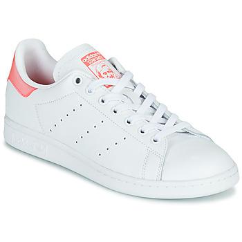 Παπούτσια Γυναίκα Χαμηλά Sneakers adidas Originals STAN SMITH W Άσπρο / Ροζ
