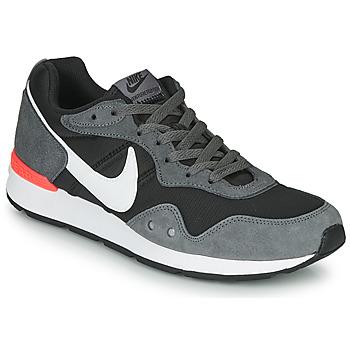 Παπούτσια Άνδρας Χαμηλά Sneakers Nike VENTURE RUNNER Black / Grey / Άσπρο