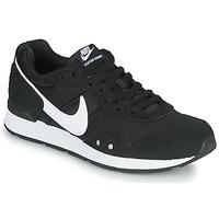 Παπούτσια Γυναίκα Χαμηλά Sneakers Nike VENTURE RUNNER Black / Άσπρο