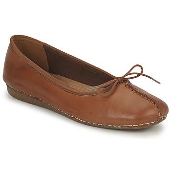 Παπούτσια Γυναίκα Μπαλαρίνες Clarks FRECKLE ICE Brown
