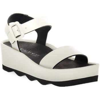 Παπούτσια Γυναίκα Σανδάλια / Πέδιλα Vienty RUBI HIELO Bianco