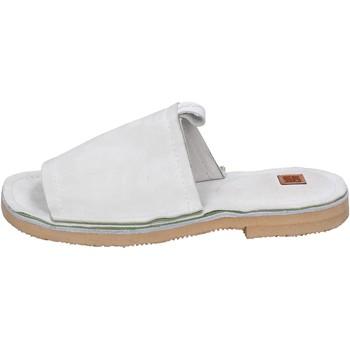 Παπούτσια Γυναίκα Τσόκαρα Moma Σανδάλια BK121 λευκό