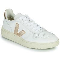 Παπούτσια Γυναίκα Χαμηλά Sneakers Veja V-10 Άσπρο / Gold
