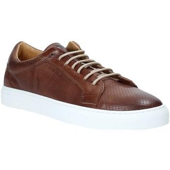 Παπούτσια Άνδρας Χαμηλά Sneakers Rogers DV 08 καφέ