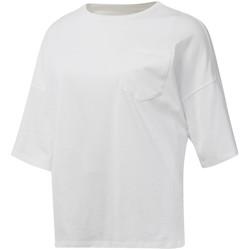 Υφασμάτινα Γυναίκα T-shirt με κοντά μανίκια Reebok Sport DU4048 λευκό