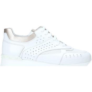 Παπούτσια Γυναίκα Χαμηλά Sneakers Triver Flight 198-10B λευκό