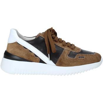 Παπούτσια Γυναίκα Χαμηλά Sneakers Triver Flight 101-02C Μαύρος