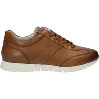 Παπούτσια Άνδρας Χαμηλά Sneakers Maritan G 140658 καφέ