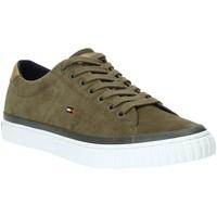 Παπούτσια Άνδρας Χαμηλά Sneakers Tommy Hilfiger FM0FM02375 Πράσινος