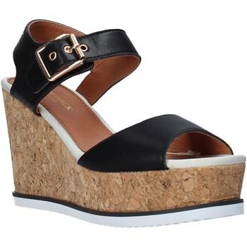 Παπούτσια Γυναίκα Σανδάλια / Πέδιλα Lumberjack SW83106 001 Q85 Μαύρος