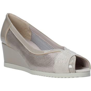 Παπούτσια Γυναίκα Σανδάλια / Πέδιλα Comart 023353 Μπεζ