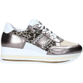 Παπούτσια Γυναίκα Χαμηλά Sneakers Comart 1A3452 Οι υπολοιποι