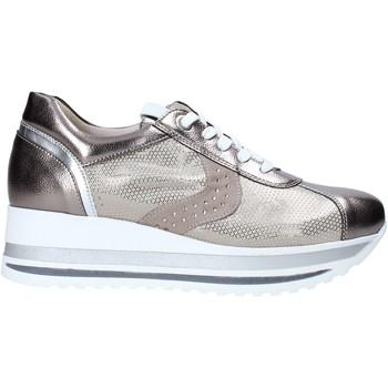 Παπούτσια Γυναίκα Χαμηλά Sneakers Comart 1A3467ST Μπεζ
