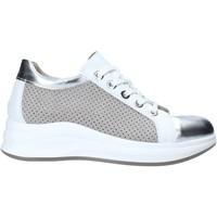 Παπούτσια Γυναίκα Χαμηλά Sneakers Comart 5C3427 Γκρί