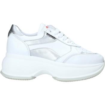 Παπούτσια Γυναίκα Χαμηλά Sneakers Exton 1575 λευκό