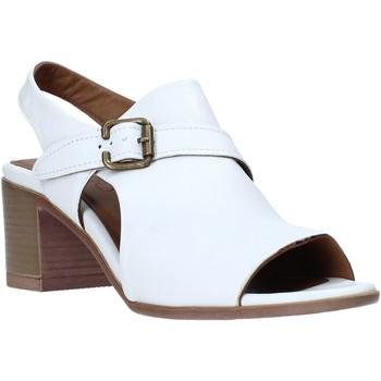 Παπούτσια Γυναίκα Σανδάλια / Πέδιλα Bueno Shoes 9L102 λευκό
