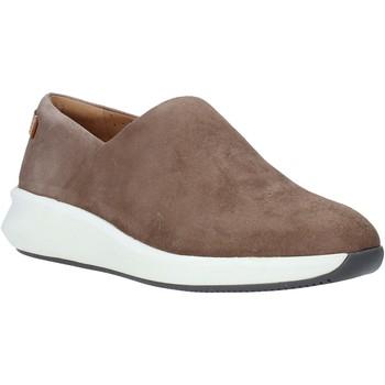 Παπούτσια Γυναίκα Slip on Clarks 26140414 καφέ