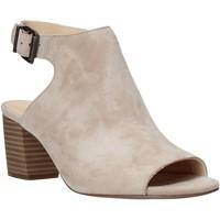 Παπούτσια Γυναίκα Σανδάλια / Πέδιλα Clarks 26140187 Μπεζ