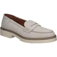 Παπούτσια Γυναίκα Μοκασσίνια Mally 5876 Ασήμι