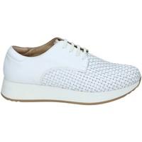 Παπούτσια Γυναίκα Χαμηλά Sneakers Stonefly 108432 λευκό