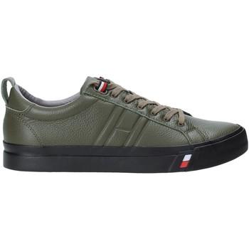 Παπούτσια Άνδρας Χαμηλά Sneakers Tommy Hilfiger FM0FM02373 Πράσινος