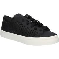 Παπούτσια Γυναίκα Χαμηλά Sneakers adidas Originals BY2956 Μαύρος
