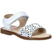 Παπούτσια Κορίτσι Σανδάλια / Πέδιλα Pablosky 0533 λευκό