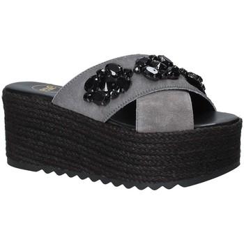 Παπούτσια Γυναίκα Τσόκαρα Exé Shoes G4700885736T Μαύρος
