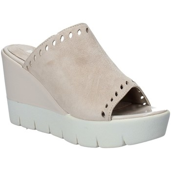 Παπούτσια Γυναίκα Τσόκαρα Impronte IL91611A Μπεζ