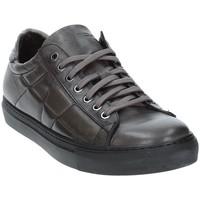 Παπούτσια Άνδρας Χαμηλά Sneakers Exton 217 Γκρί