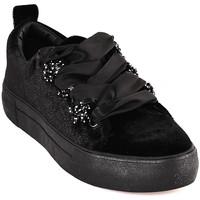 Παπούτσια Γυναίκα Χαμηλά Sneakers Y Not? W18 52 YW 701 Μαύρος