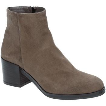 Παπούτσια Γυναίκα Μποτίνια Grace Shoes 1826 καφέ