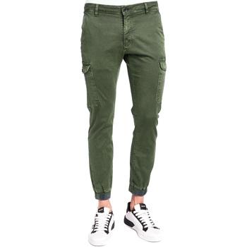 Υφασμάτινα Άνδρας παντελόνι παραλλαγής Gaudi 921BU25011 Πράσινος