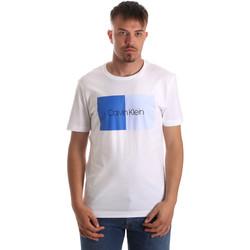 Υφασμάτινα Άνδρας T-shirt με κοντά μανίκια Calvin Klein Jeans K10K103497 λευκό